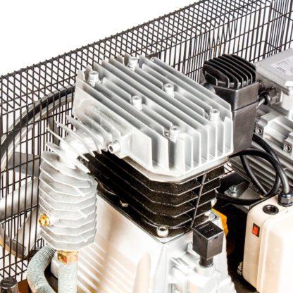 Компрессор Denzel DR5500/300, масляный ременный, 10 бар, производительность 850 л/м, мощность 5.5 кВт